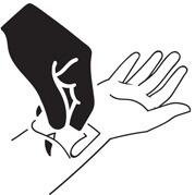 Подождите 1.5 часа пока активные компоненты впитаются в кожу, после чего снимите трафарет